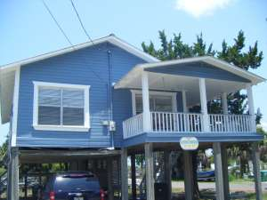 cedar key marina II rental stilt house